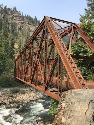Pipeline bridge across the Wenatchee River