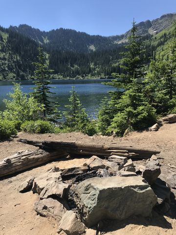 A campsite on Lower Stevens Lake. There are quite a few