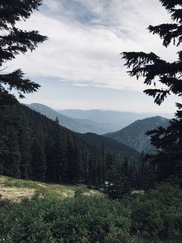 View south from the Mallard-Larkins crest near Heart Pass