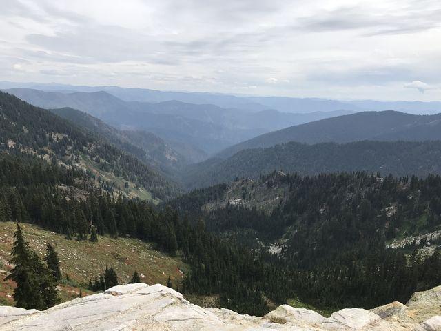 View into the Heather Creek canyon, from a saddle below Mallard Peak