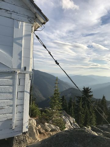 Mallard Peak and its lookout cabin (single-story)